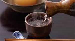 日本酒の熱燗で一杯